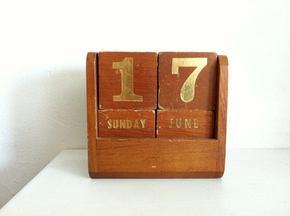 RESERVED for Jamin G., London- Retro Vintage Wood Perpetual Block Calendar - made in 1960s, in Feng Yuan Republic of China Taiwan