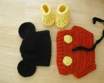 Free Crochet Pattern For Mickey Mouse Shoes : How To Crochet Mickey Mouse Shoes Joy Studio Design ...