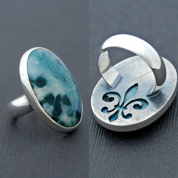 La Québecoise - sterling silver ring with jasper cabochon size 7 1/2 - 3/4