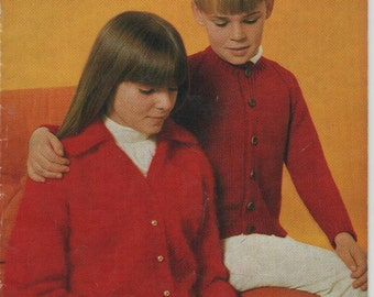 ON SALE - Patons Childrens Knitting Book No 109 Vintage 1970's - Patons Classics