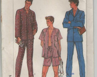 On Sale - 1980s Simplicity No 7677 Sewing Pattern for Mens Pajamas