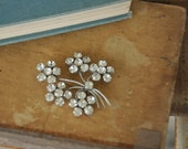 1970s vintage / flower spray brooch // BLOSSOMS