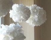 10 Tissue Paper Pom Poms white
