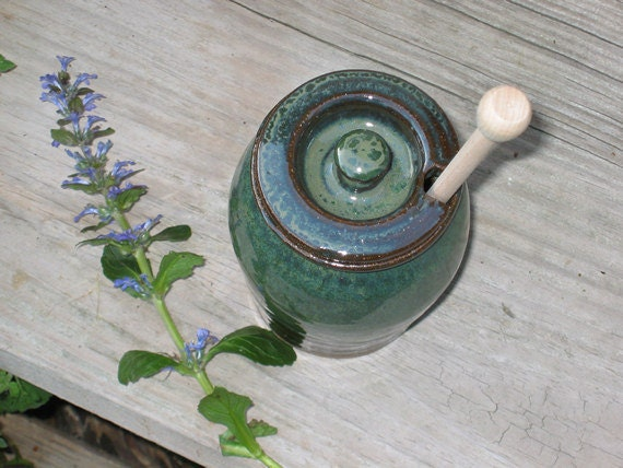 Honey Pot Stoneware Honey Jar (0512011)