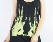 Hand Bone X-Ray Hands Handcuff Prison Skull Design Art Retro Indie Rock Tank Top Black Tunic Singlet Vest T-Shirt Punk Rock T-Shirt Size M