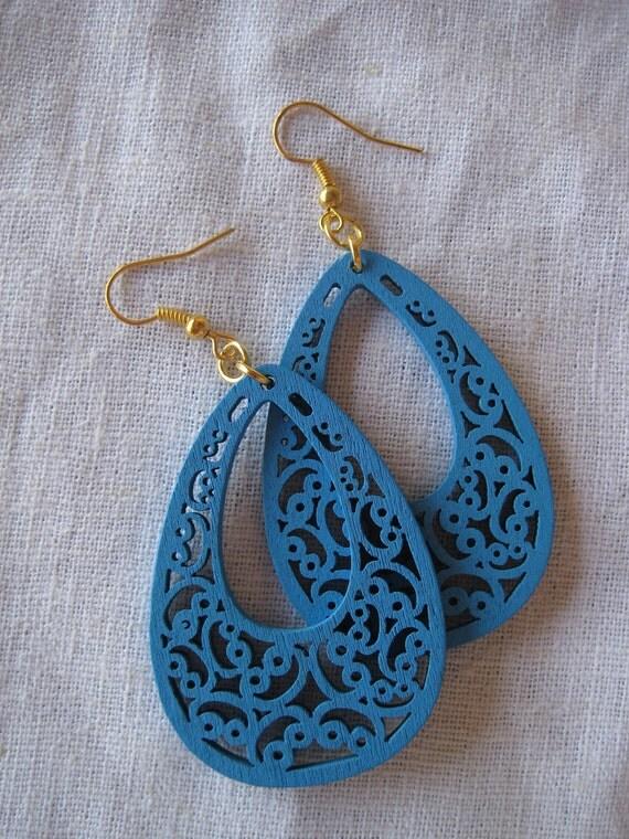 Light blue Filigree Cut Wood Earring (Drop)