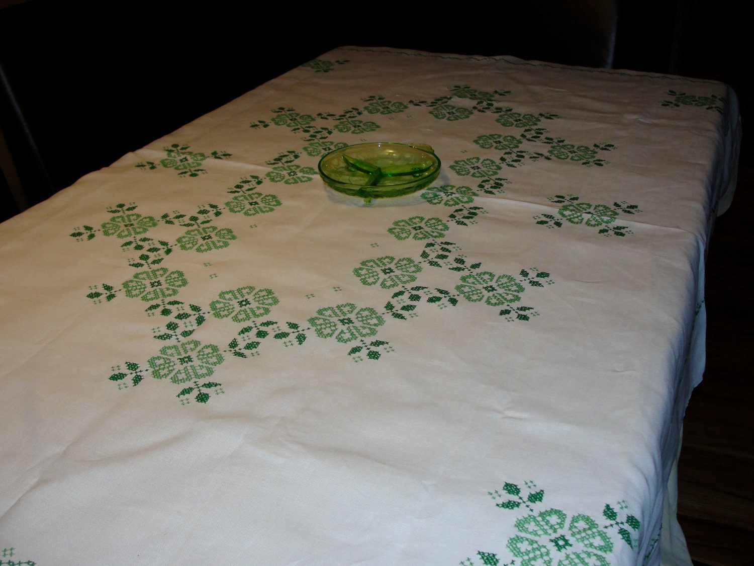 irish linen tablecloth beautiful linen tablecloth with green clover embroidery 1923
