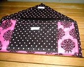 Laptop cover/sleeve in a Pink Damesk print 161/2x101/2