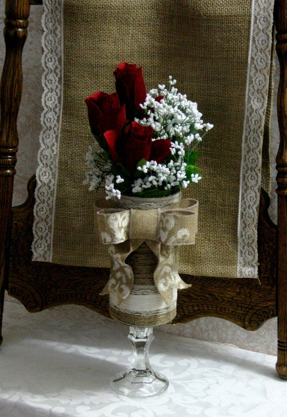 Burlap wedding table centerpiece by