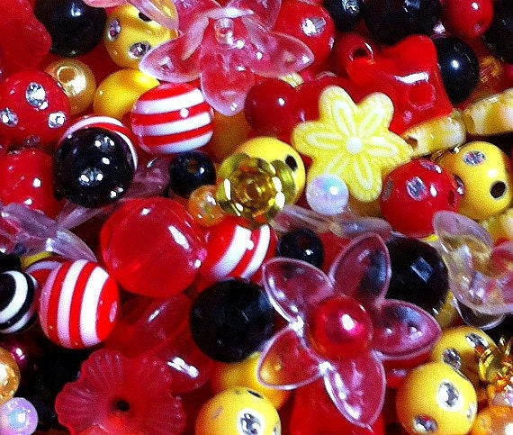 275 ct Minnie Mouse Bead Assortment 24 Type Disney Jewelry Bead Mix (BX-RMINNIE)