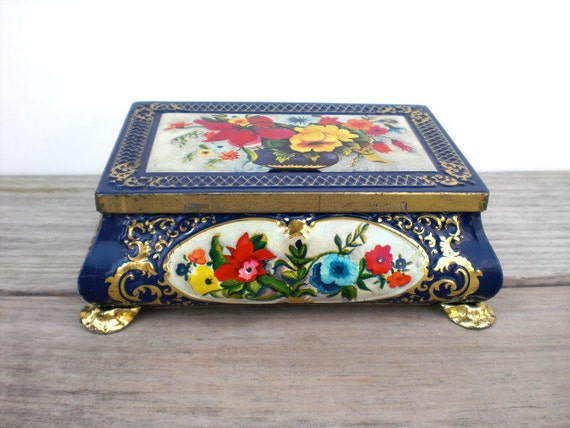 Vintage / Home Decor / Box / Germany / floral / Mothers Day / cottage chic / spring colors / storage box / romantic / old fashioned