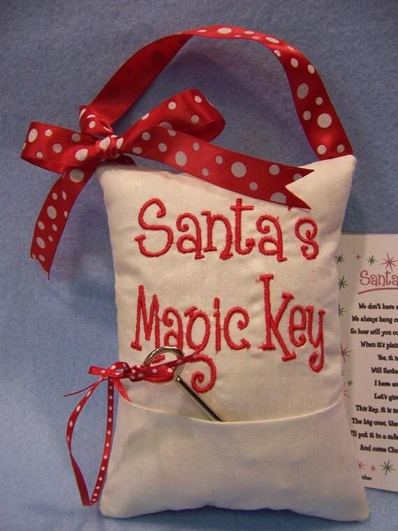 """Santa's """"Magic"""" Key Doorhanger with Polka dotted ribbon"""