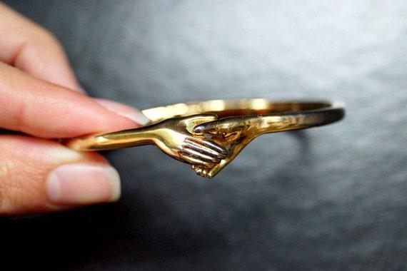 Vintage Holding Hands Bracelet