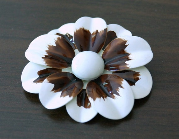 Vintage Enamel Flower Brooch Gorgeous
