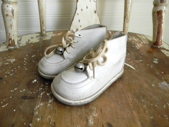 Vintage Baby Shoes, White Leather Shoes 1950s
