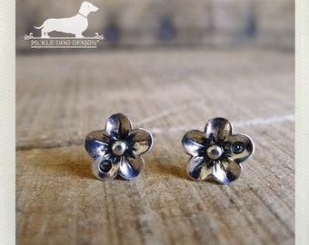 Silver Petals. Flower Post Earrings -- (Flower Studs, Small, Simple, Vintage Style, Bridesmaid Jewelry, Cute, Chic, Christmas Gift Under 10)