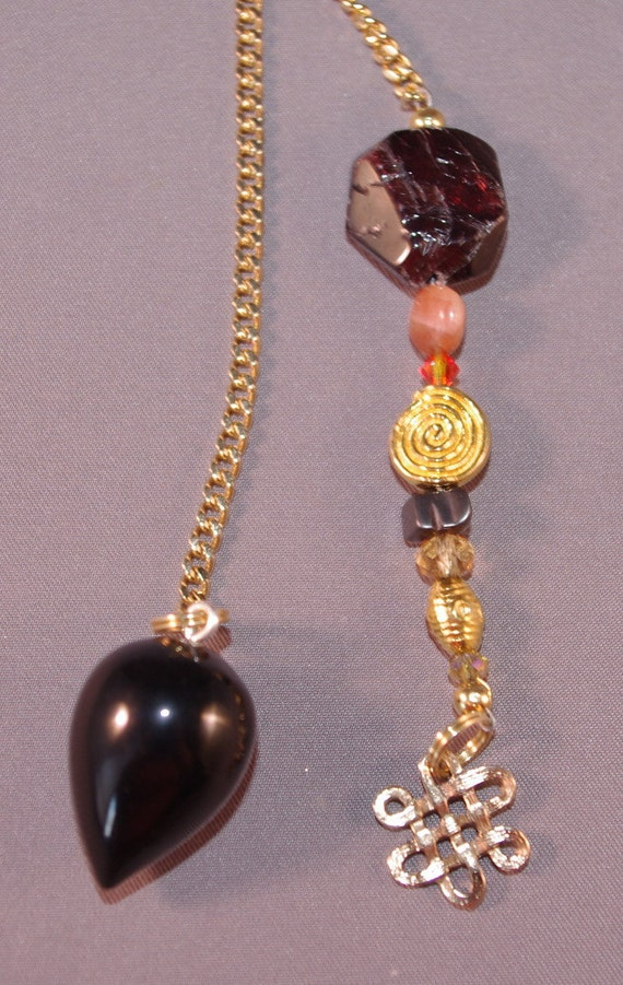 Blackstone and Celtic Knot Gemstone New Age Dowsing Pendulum Magick 124869P