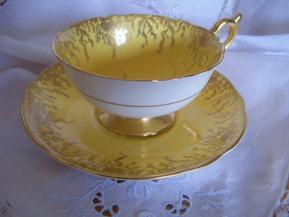 Vintage Coalport porcelain teacup and saucer - 1940s - bright yellow with gold accents - excellent condition