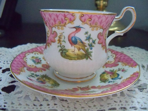 Vintage - Rosina China - Queens - Bone China - Chelsea bird/Bird of Paradise -pinks -  excellent condition