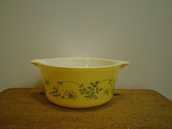 RESERVED FOR ROBYN: Vintage Pyrex Shenandoah 1.5 l Serve N Store Casserole Dish