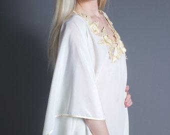 SALE 50% OFF 70s Vintage Lace Trim Bohemian Caftan in Ivory