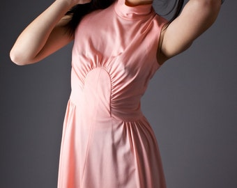 SALE 50% OFF 70s Vintage High Neck Mini Dress in Peach