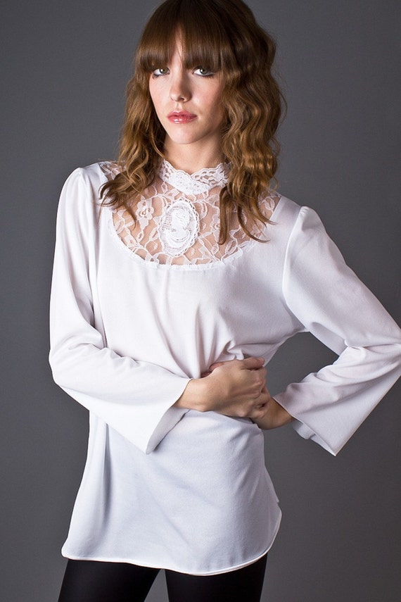 80s Vintage Lace Cameo Blouse in White