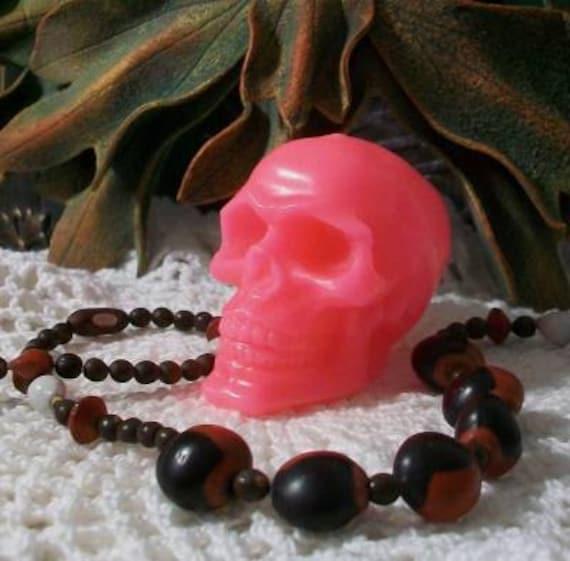 2 Hot Pink Skull Candles Beeswax Skull Candles Día de los Muertos Bright Pink Skull
