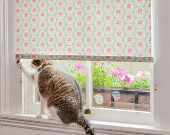 "Scallop Rose Pattern Window Shade 24.25''- 28"" width"