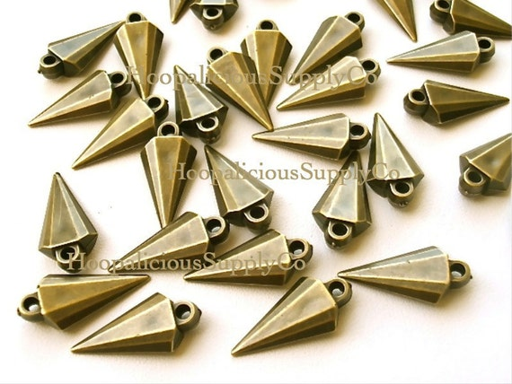 25 Unique Arrowhead Spikes with Top Loop- BRASS COLOR- Acrylic