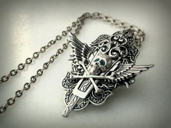 Gothic Silver Skull Necklace - Men Women Gothic Jewelry - Wings Jewelry