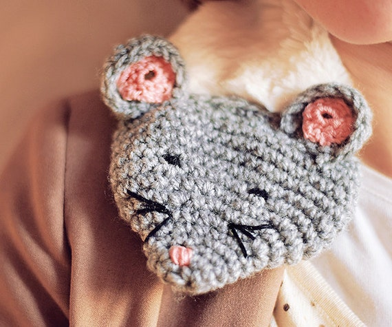 Sale, MOUSE COWL Wholeyear Accessory Cold Days Crochet Shawl Furry Fur Woman Teens Cozy White Grey