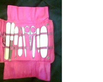 Vintage 9 pc manicure set with hot pink satin lining