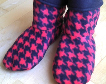Adult or Youth fleece slipper socks, red and black houndstooth, double layered & reversible