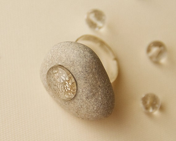 Ring, Tear of the Stone, Sea Stone inlaid with Glass