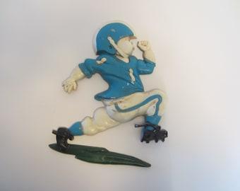 HOMCO 1976 Iron FOOTBALL PLAYER Wallhanging