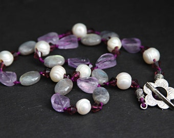 Handmade Charming Pearl and Stone Necklace