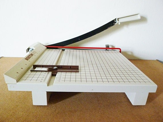 Boston 2612 Paper Cutter Trimmer - YouTube