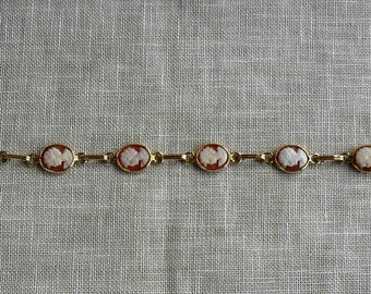 Antique Solid 14k Yellow Gold Carved Shell Cameo Bracelet  c.1960's