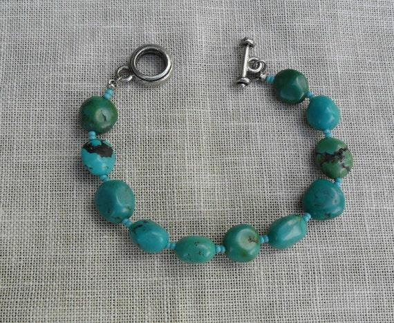 Vintage and Stunning Turquoise Toggle Bead Bracelet