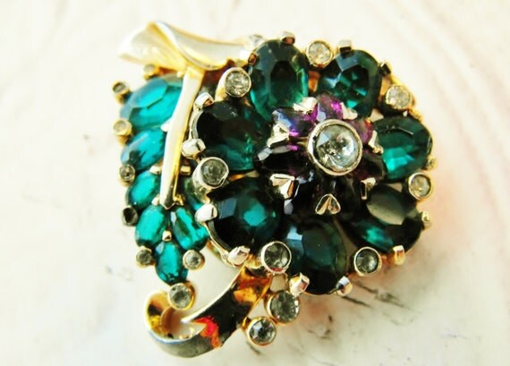 Mazer 1941 Green Amythest Clear Rhinestone Dress Clip