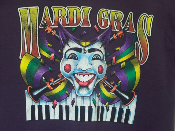 Vintage 1980's, Mardi Gras T-shirt,  Masquerade,  Carnival Mask,  Deep Purple,  Fruit Of The Loom,  100% Cotton,  Size Large