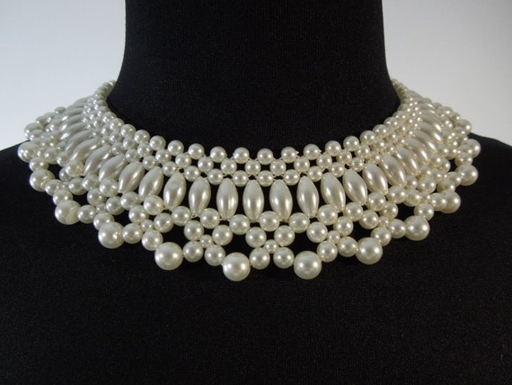 50s Faux Pearl Collar Necklace