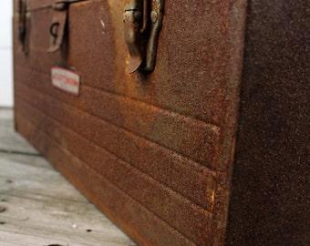 Craftsmen Rusty Tool Box