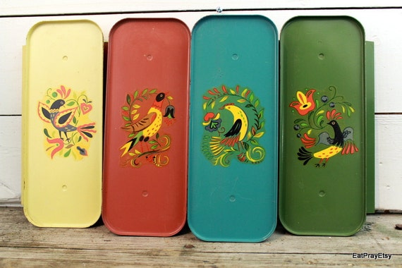 VIntage Dove Folk Art Trays TV Trays Set of Four Dove Drink Trays