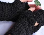 Black Circles Fingerless Gloves