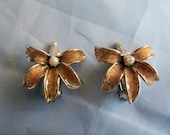 Pretty gold shimmer enamel flower Creme coffee color and pearl Vintage Clip on Earrings est Circa 1940's 1 inch