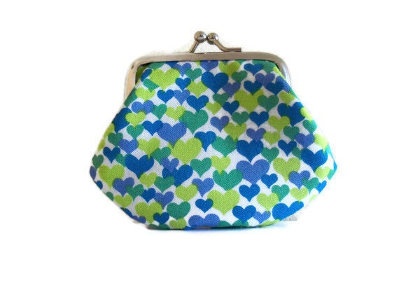 Small Coin Purse -  heart design - kiss clasp frame