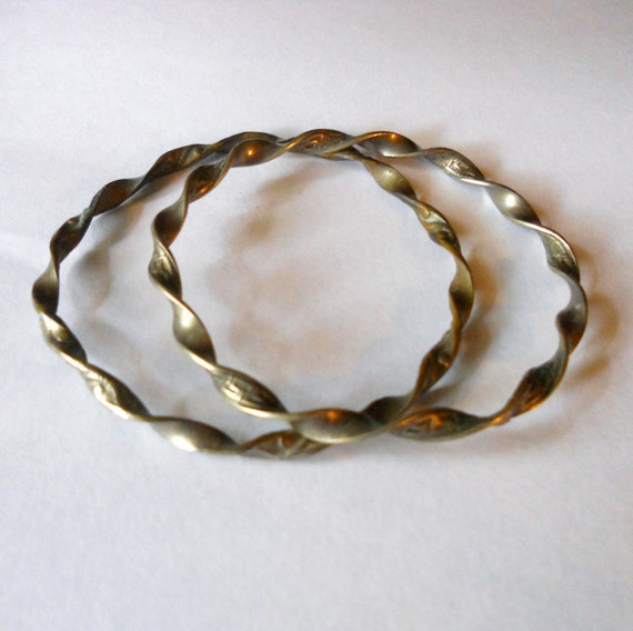 Vintage Twisted Bangle Bracelet Set in Silver and Bronze Asian India