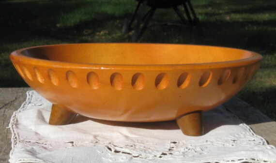 Exceptional Munising Carved Pedestal Maple Wood Bowl 1930s